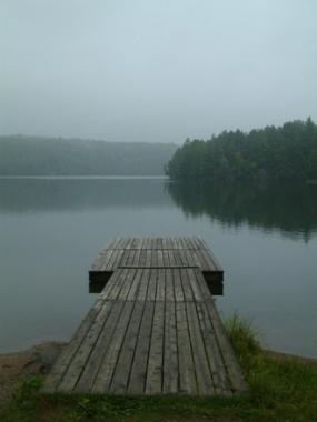 lac calme-quai